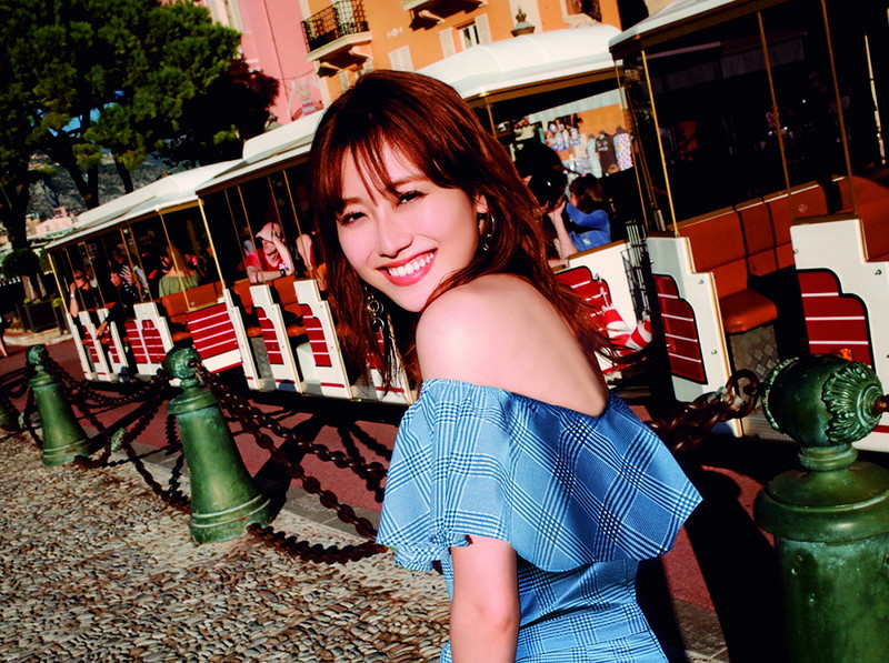 【守屋茜エロ画像】欅坂46の現役美少女アイドルがみせる可愛い笑顔とエッチな谷間 14