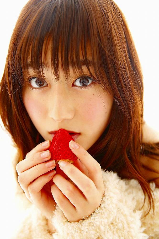 【守屋茜エロ画像】欅坂46の現役美少女アイドルがみせる可愛い笑顔とエッチな谷間 33