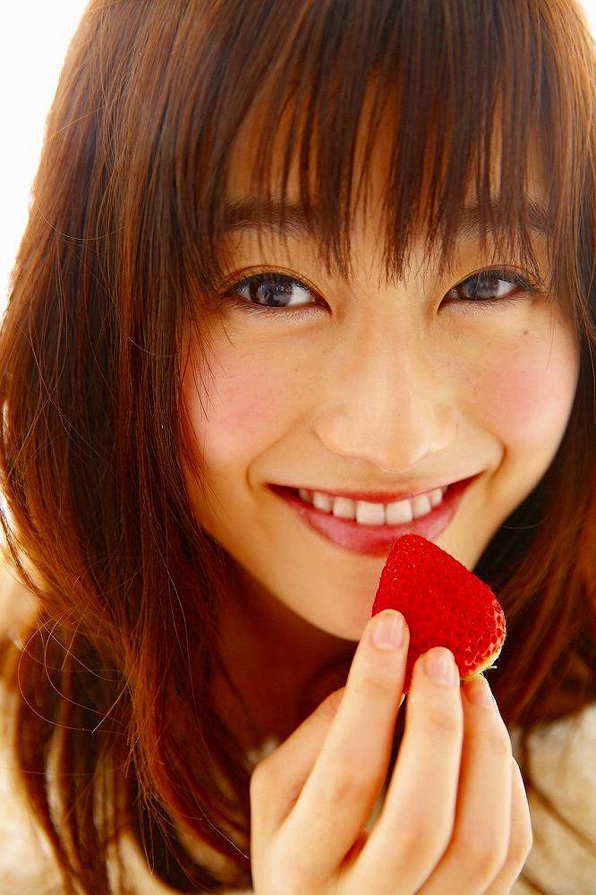 【守屋茜エロ画像】欅坂46の現役美少女アイドルがみせる可愛い笑顔とエッチな谷間 34