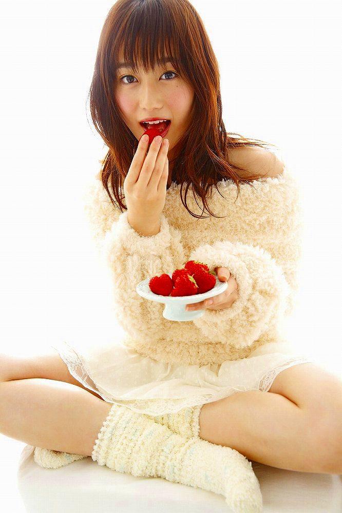 【守屋茜エロ画像】欅坂46の現役美少女アイドルがみせる可愛い笑顔とエッチな谷間 36