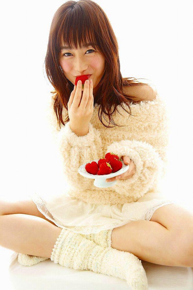 【守屋茜エロ画像】欅坂46の現役美少女アイドルがみせる可愛い笑顔とエッチな谷間 37