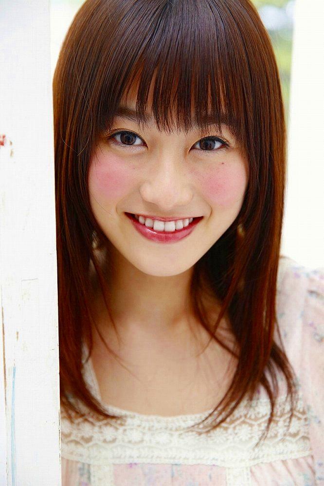 【守屋茜エロ画像】欅坂46の現役美少女アイドルがみせる可愛い笑顔とエッチな谷間 46