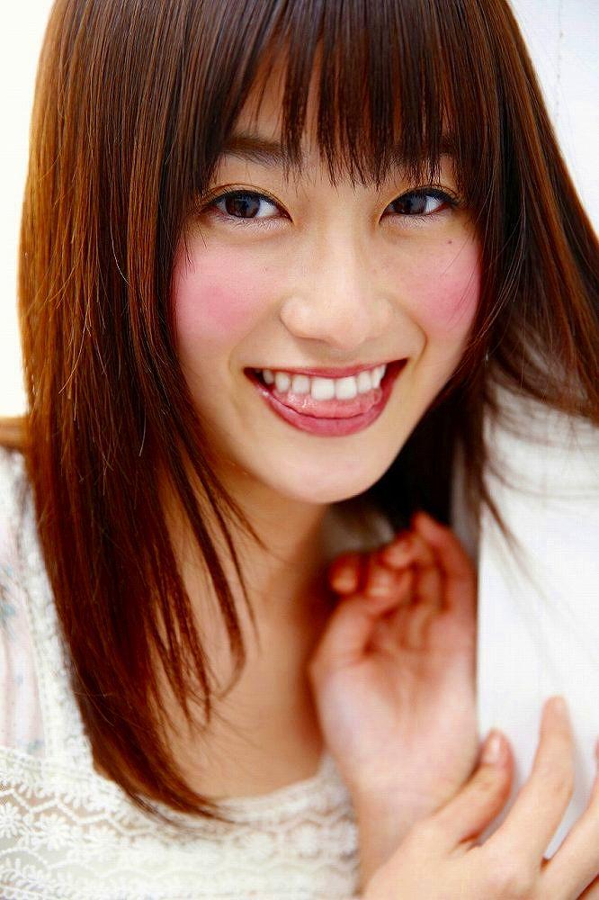 【守屋茜エロ画像】欅坂46の現役美少女アイドルがみせる可愛い笑顔とエッチな谷間 53