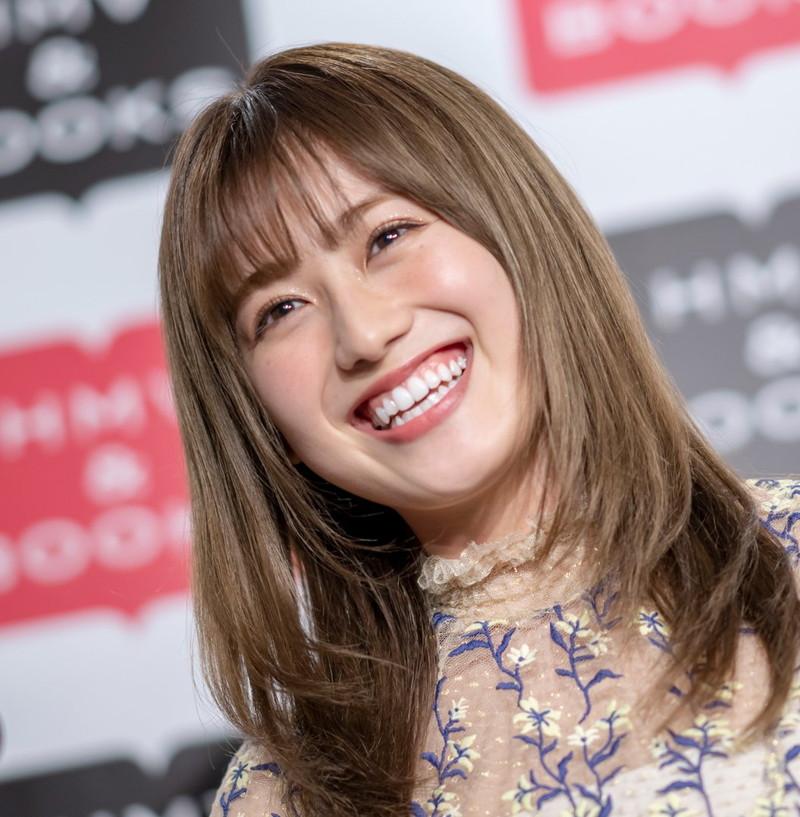 【守屋茜エロ画像】欅坂46の現役美少女アイドルがみせる可愛い笑顔とエッチな谷間 76