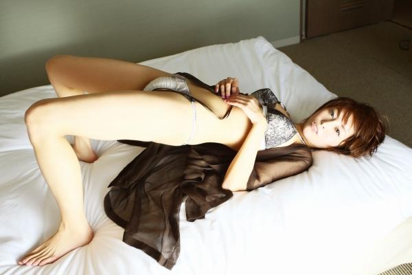 【熊切あさ美エロ画像】かつての崖っぷちアイドルが美熟女グラドルになって復活!? 07