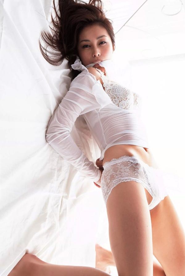 【熊切あさ美エロ画像】かつての崖っぷちアイドルが美熟女グラドルになって復活!? 13