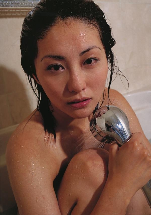 【熊切あさ美エロ画像】かつての崖っぷちアイドルが美熟女グラドルになって復活!? 29