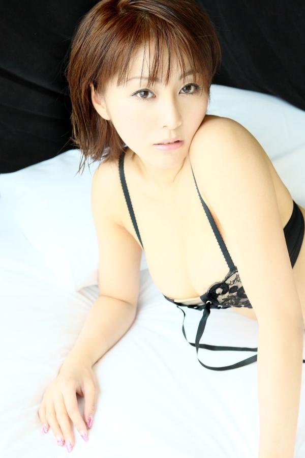 【熊切あさ美エロ画像】かつての崖っぷちアイドルが美熟女グラドルになって復活!? 39