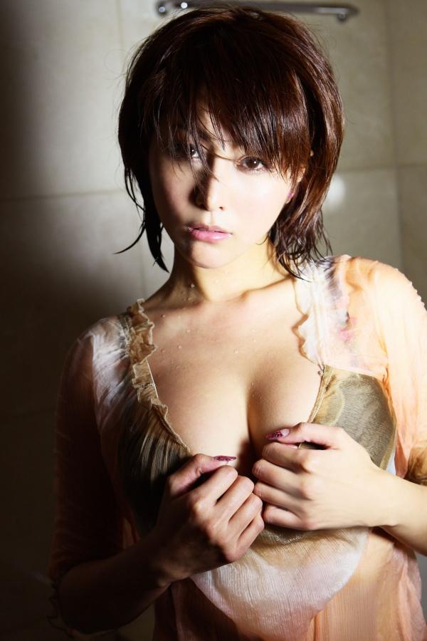 【熊切あさ美エロ画像】かつての崖っぷちアイドルが美熟女グラドルになって復活!? 46