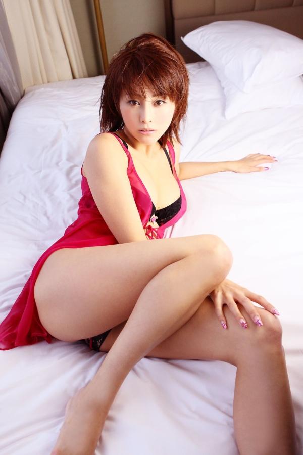 【熊切あさ美エロ画像】かつての崖っぷちアイドルが美熟女グラドルになって復活!? 51