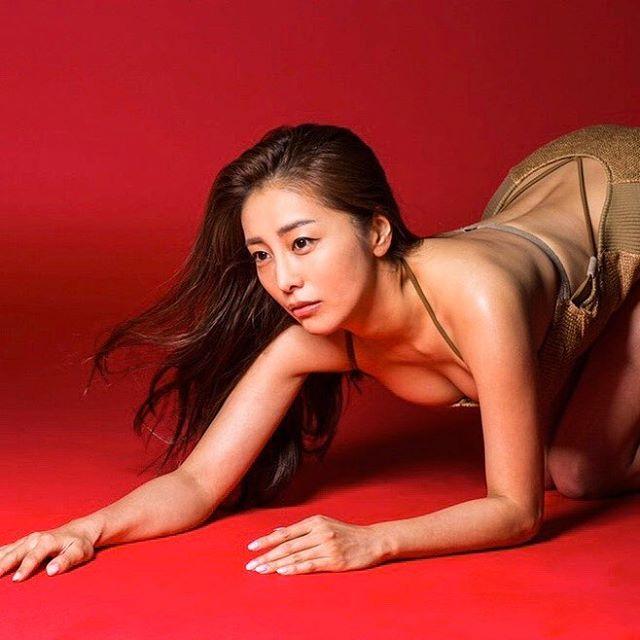 【熊切あさ美エロ画像】かつての崖っぷちアイドルが美熟女グラドルになって復活!? 72