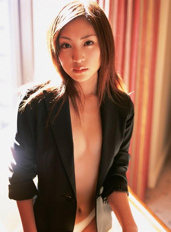 【辰巳奈都子グラビア画像】グラドルを卒業してたった2年で復帰してきたセレブ美熟女 36