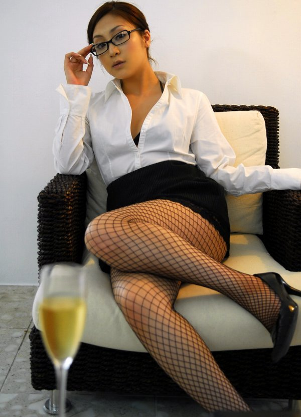 【辰巳奈都子グラビア画像】グラドルを卒業してたった2年で復帰してきたセレブ美熟女 61