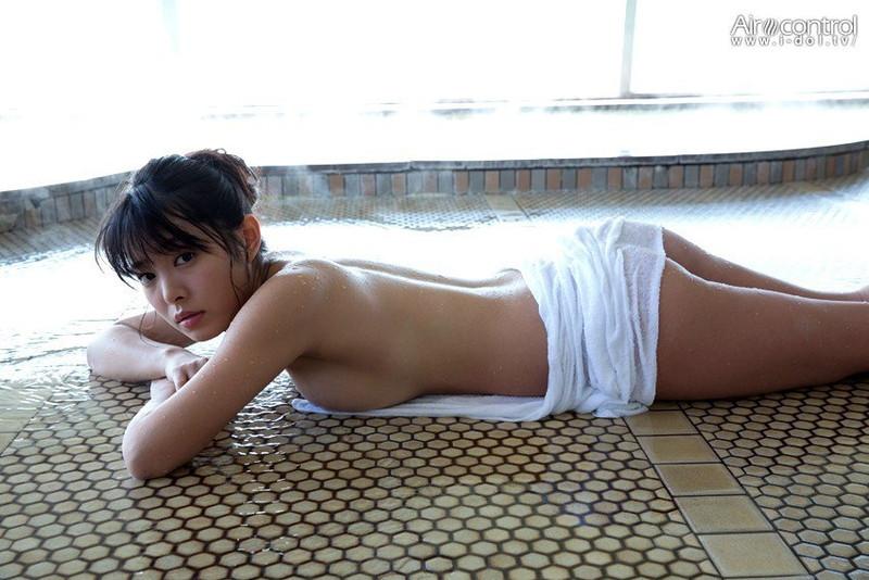 【寺田安裕香エロ画像】Eカップ以上ありそうな巨乳ボディにセクシーランジェリーが良く似合う! 04