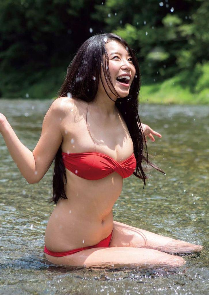 【寺田安裕香エロ画像】Eカップ以上ありそうな巨乳ボディにセクシーランジェリーが良く似合う! 45