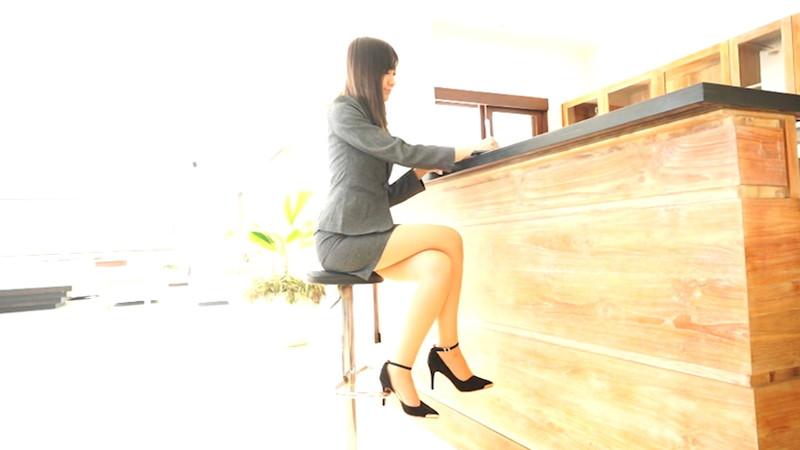【相田美優キャプ画像】スタイル抜群なスレンダーボディに長い美脚がキレイでエロい! 17