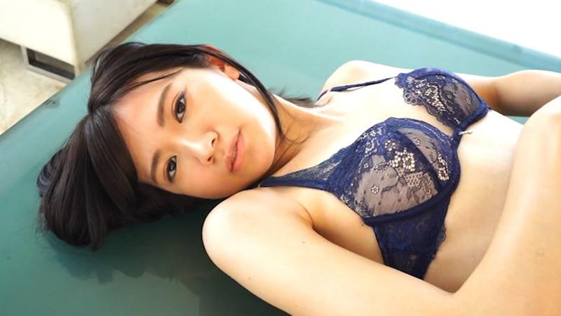 【相田美優キャプ画像】スタイル抜群なスレンダーボディに長い美脚がキレイでエロい! 31