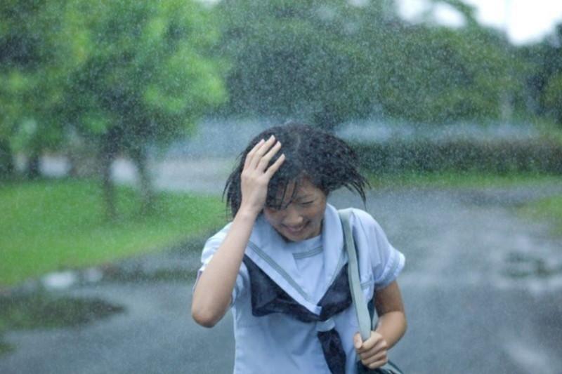 【雨の日濡れ透け画像】梅雨の時でもエロは忘れず濡れて透けた女達で抜く! 70
