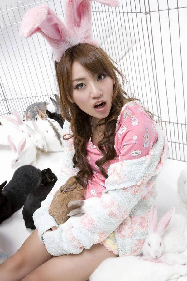【高橋みなみお宝画像】元AKB48アイドルが現役だった頃の可愛らしいグラビアの数々 38