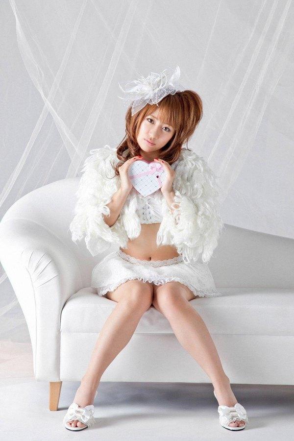 【高橋みなみお宝画像】元AKB48アイドルが現役だった頃の可愛らしいグラビアの数々 53