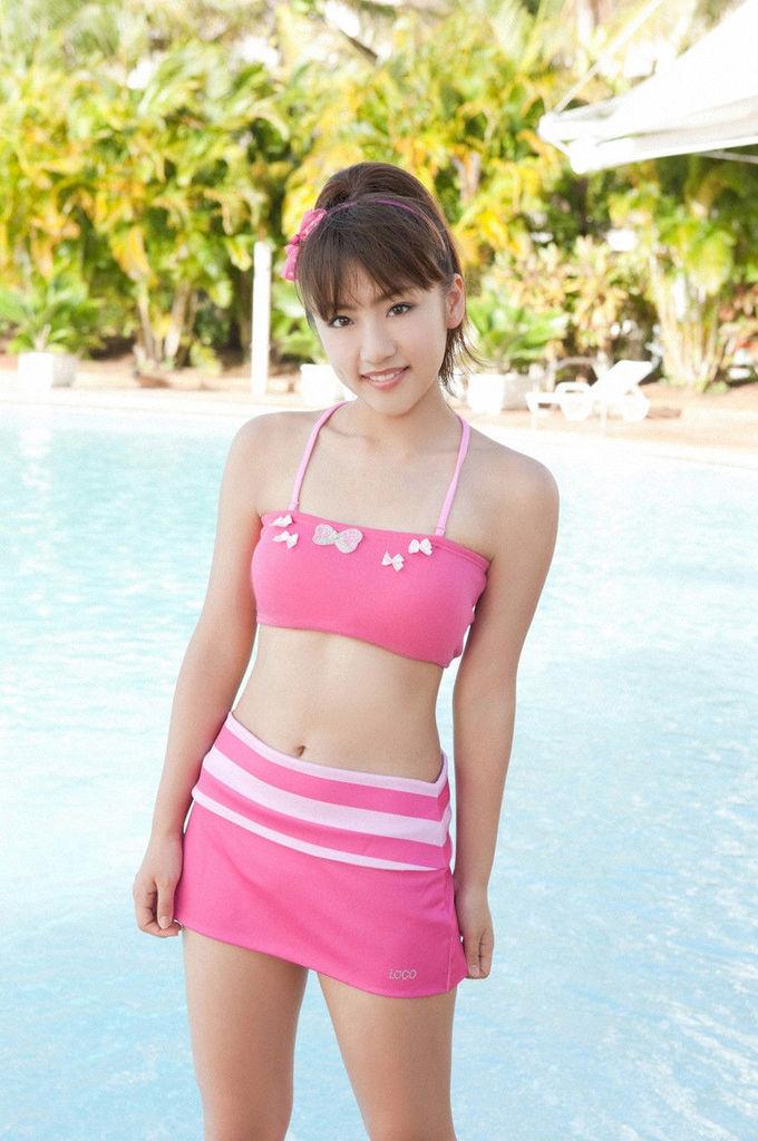 【高橋みなみお宝画像】元AKB48アイドルが現役だった頃の可愛らしいグラビアの数々 75