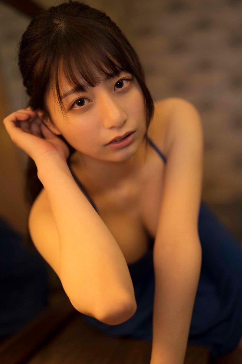 【チーム8お宝画像】AKB系アイドルの谷間やパンチラ寸前のちょいエロな写真 11