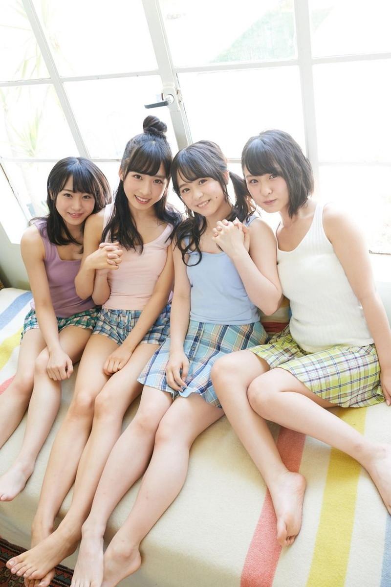 【チーム8お宝画像】AKB系アイドルの谷間やパンチラ寸前のちょいエロな写真 34