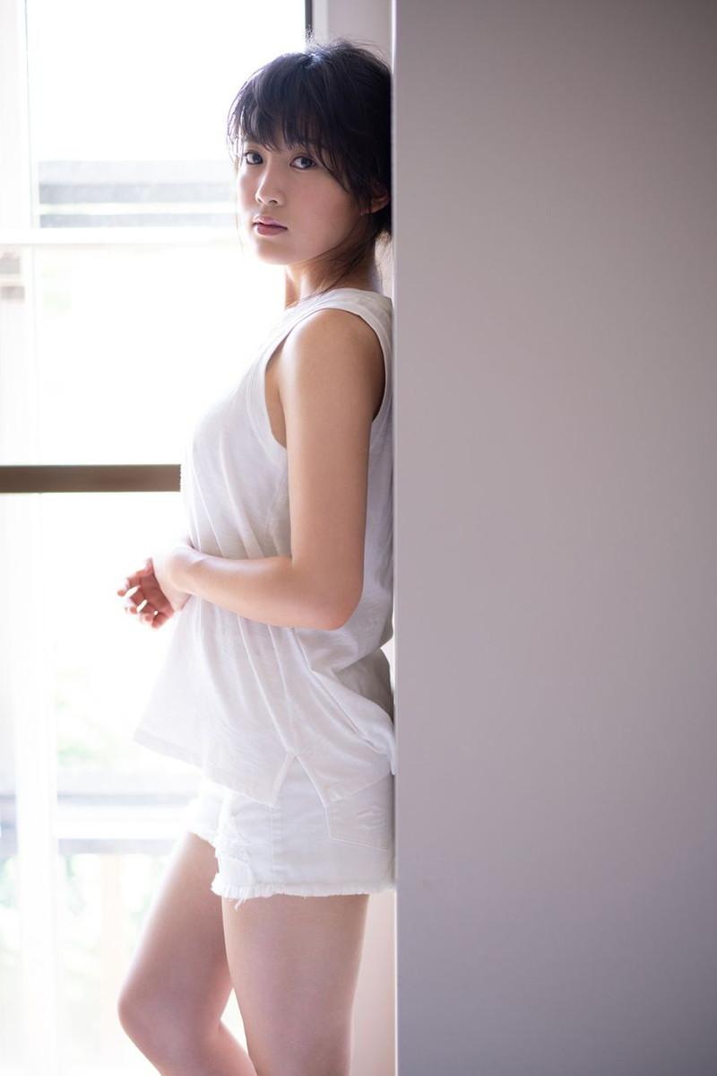 【チーム8お宝画像】AKB系アイドルの谷間やパンチラ寸前のちょいエロな写真 41