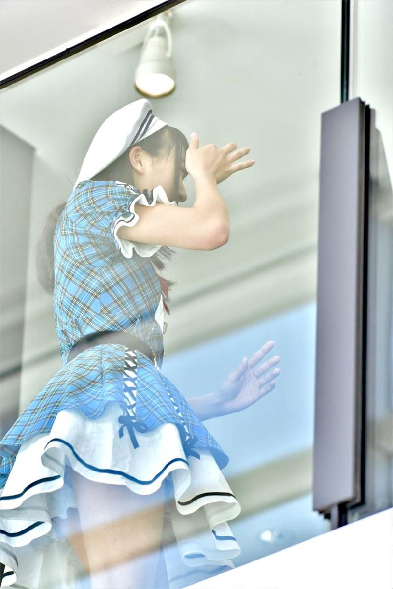 【チーム8お宝画像】AKB系アイドルの谷間やパンチラ寸前のちょいエロな写真 47