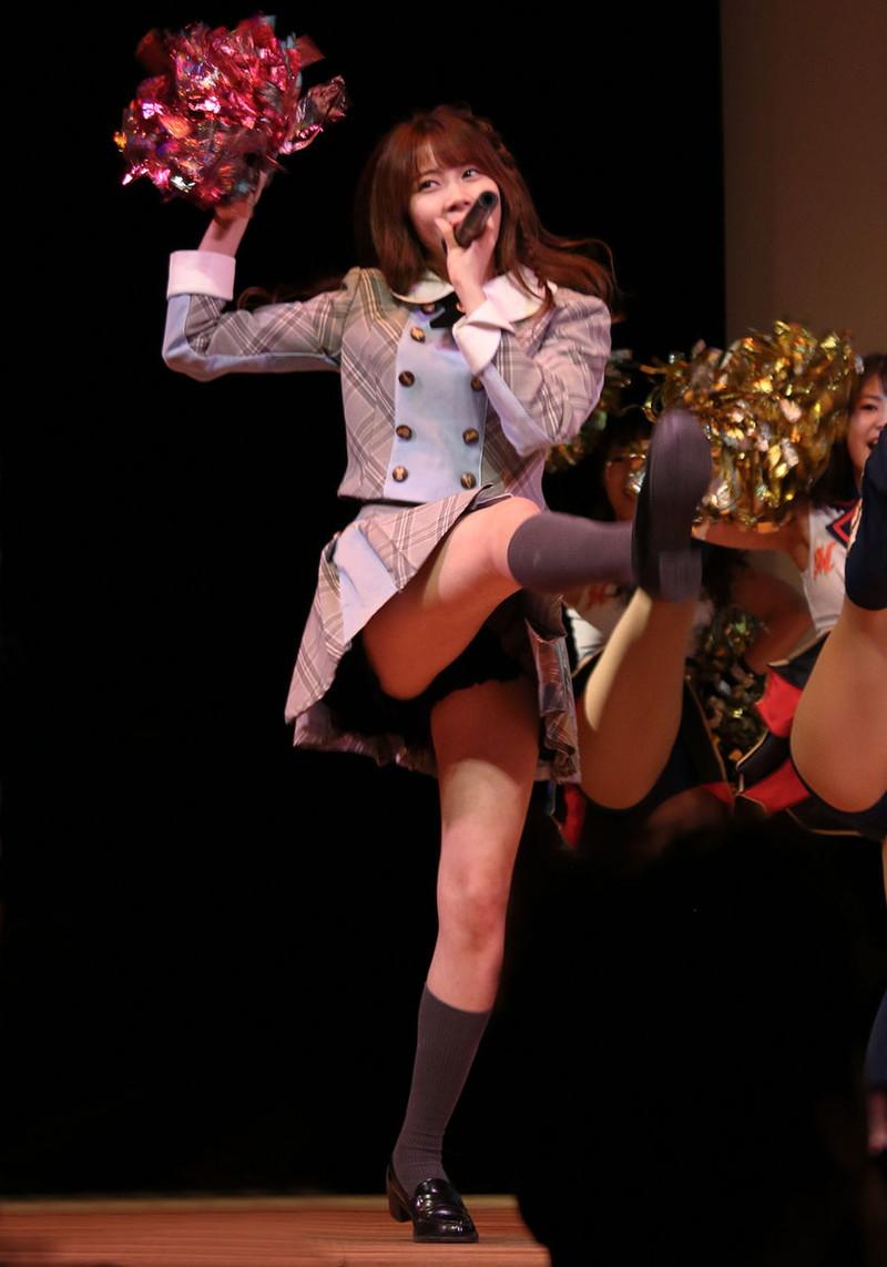 【チーム8お宝画像】AKB系アイドルの谷間やパンチラ寸前のちょいエロな写真 53