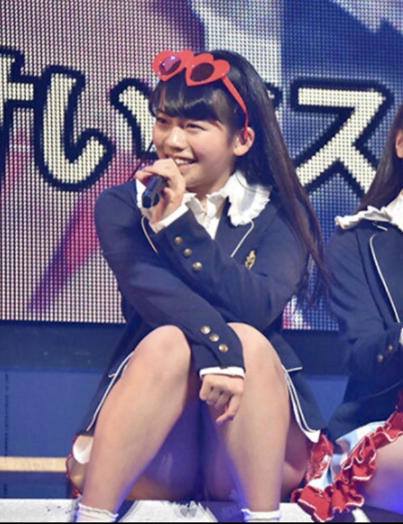 【チーム8お宝画像】AKB系アイドルの谷間やパンチラ寸前のちょいエロな写真 67