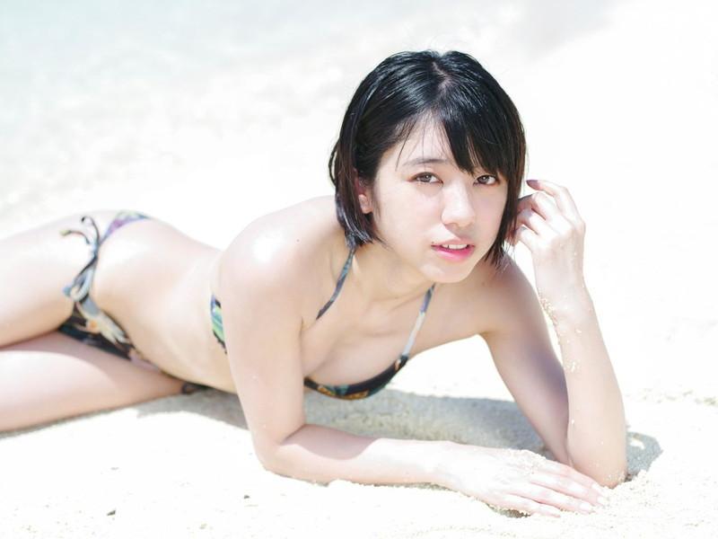 【チーム8お宝画像】AKB系アイドルの谷間やパンチラ寸前のちょいエロな写真 79