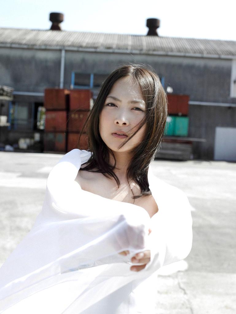 【谷村美月お宝画像】NHK連ドラがデビューという輝かしい経歴を持つ女優のエロ画像 41