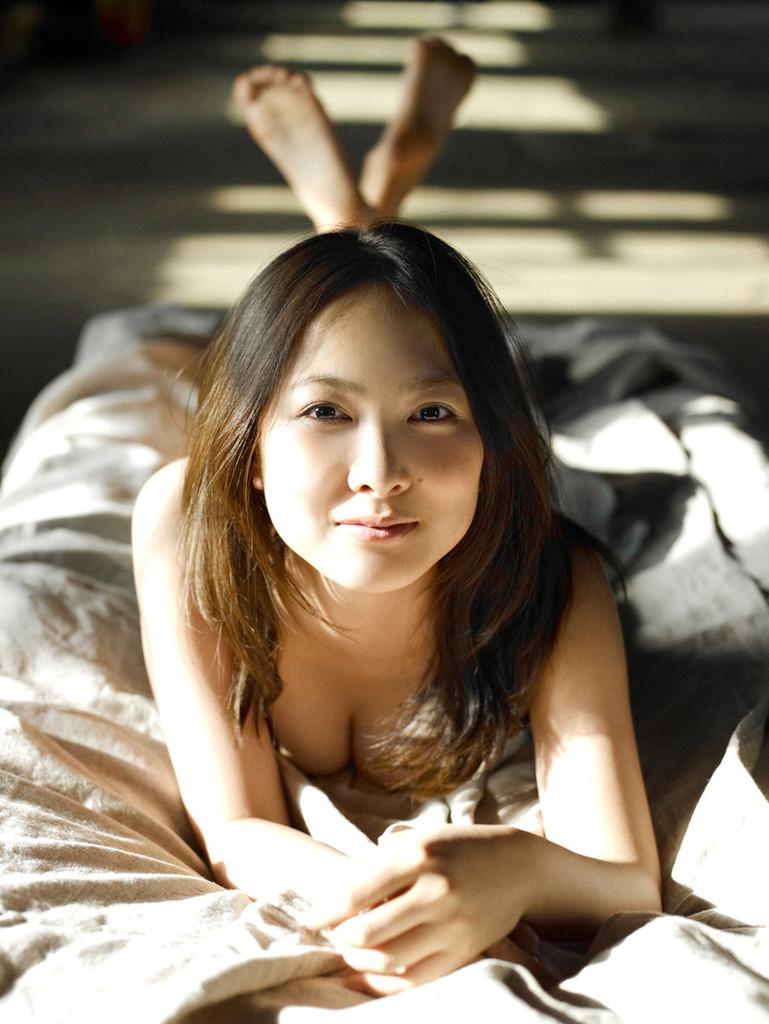 【谷村美月お宝画像】NHK連ドラがデビューという輝かしい経歴を持つ女優のエロ画像 49