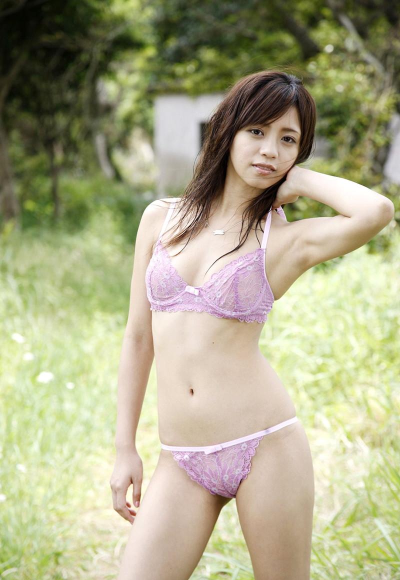 【橘麗美グラビア画像】色白スレンダーボディが綺麗でエロいグラドル美女の現在は? 27