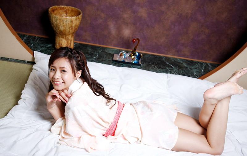 【橘麗美グラビア画像】色白スレンダーボディが綺麗でエロいグラドル美女の現在は? 73