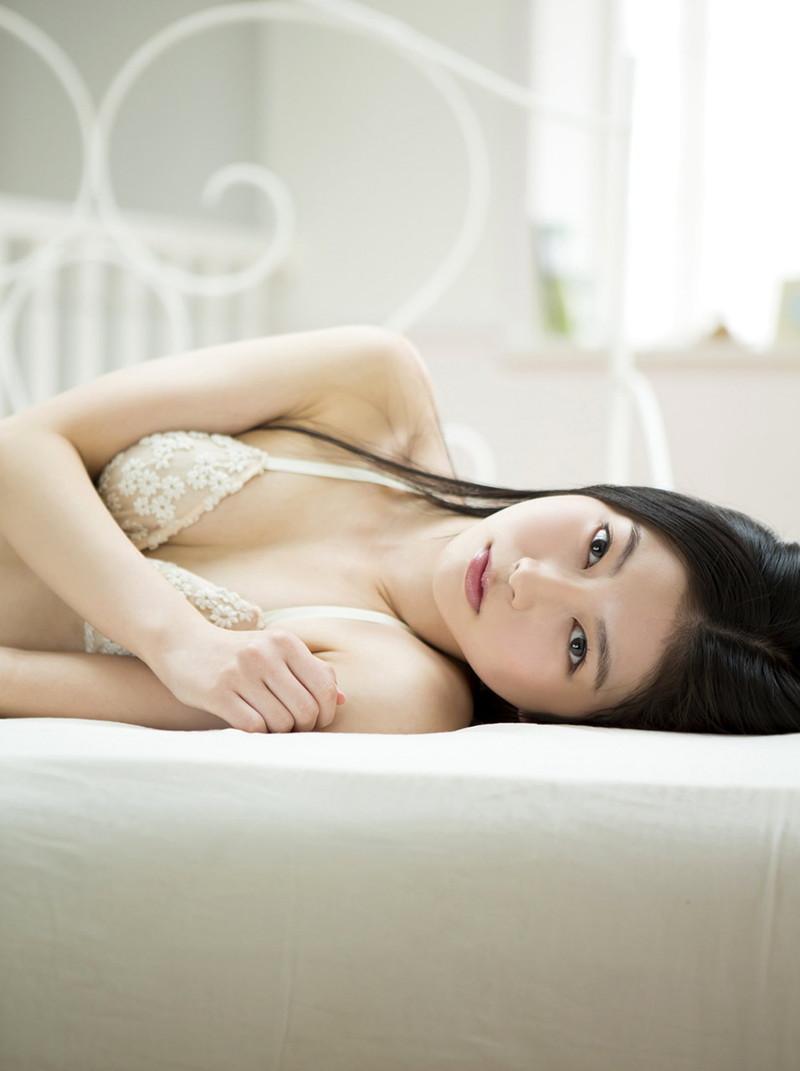 【橘麗美グラビア画像】色白スレンダーボディが綺麗でエロいグラドル美女の現在は? 76