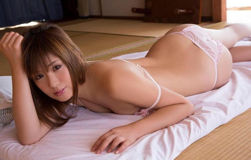 【遠野千夏グラビア画像】腹筋が見えるくらい鍛えた引き締まった身体がエロい! 72