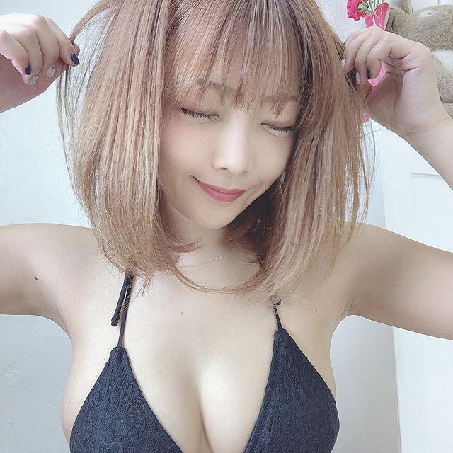 【藤田恵名エロ画像】イメージビデオでマンスジを見せちゃったシンガーグラドルw 56