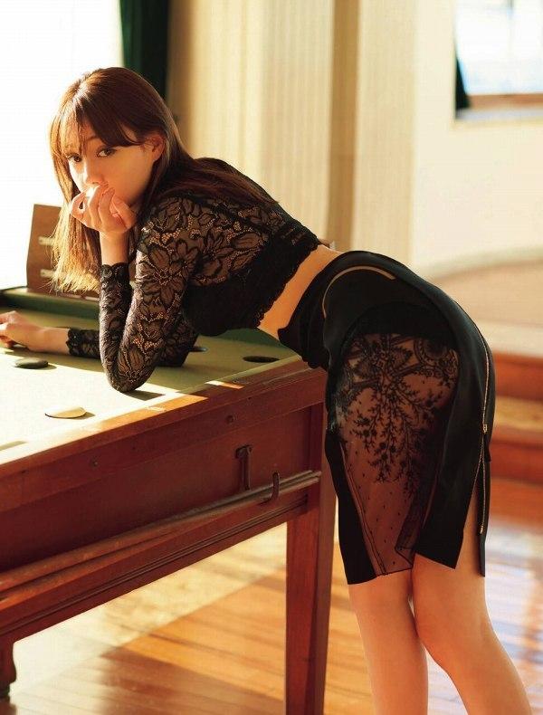 【トリンドル玲奈キャプ画像】モデルをしながらセックスも演じる異色ハーフ女優 42