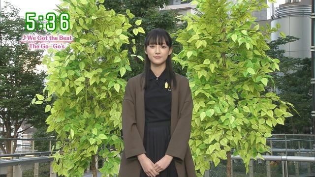 【お宝エロ画像】番組公認でたっぷり見られるお天気お姉さんのモデル美脚wwww 18