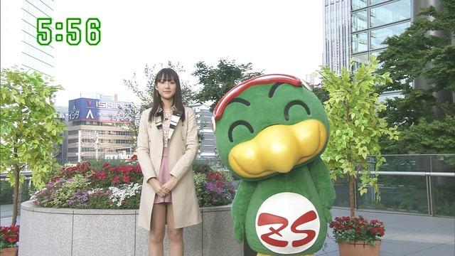 【お宝エロ画像】番組公認でたっぷり見られるお天気お姉さんのモデル美脚wwww 28