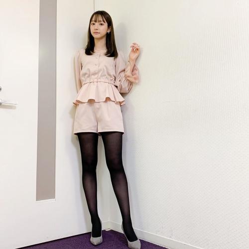 【お宝エロ画像】番組公認でたっぷり見られるお天気お姉さんのモデル美脚wwww 73