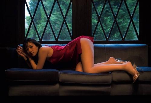 【お宝エロ画像】番組公認でたっぷり見られるお天気お姉さんのモデル美脚wwww 79
