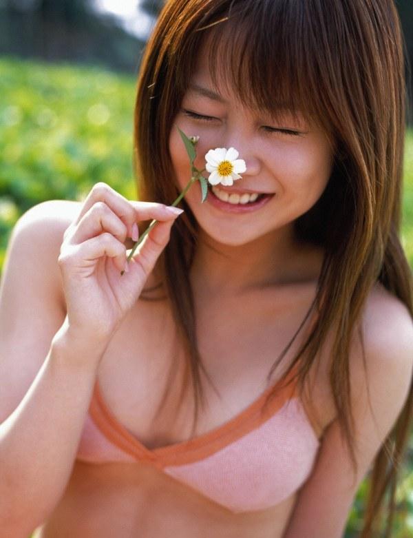 【新垣里沙グラビア画像】昭和生まれモーニング娘アイドルのビキニ水着! 08