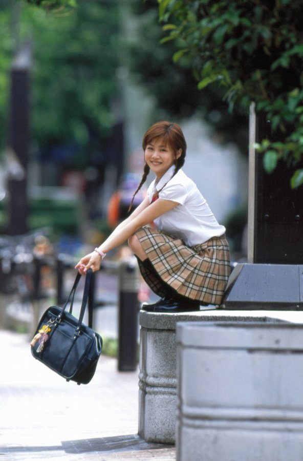 【新垣里沙グラビア画像】昭和生まれモーニング娘アイドルのビキニ水着! 28