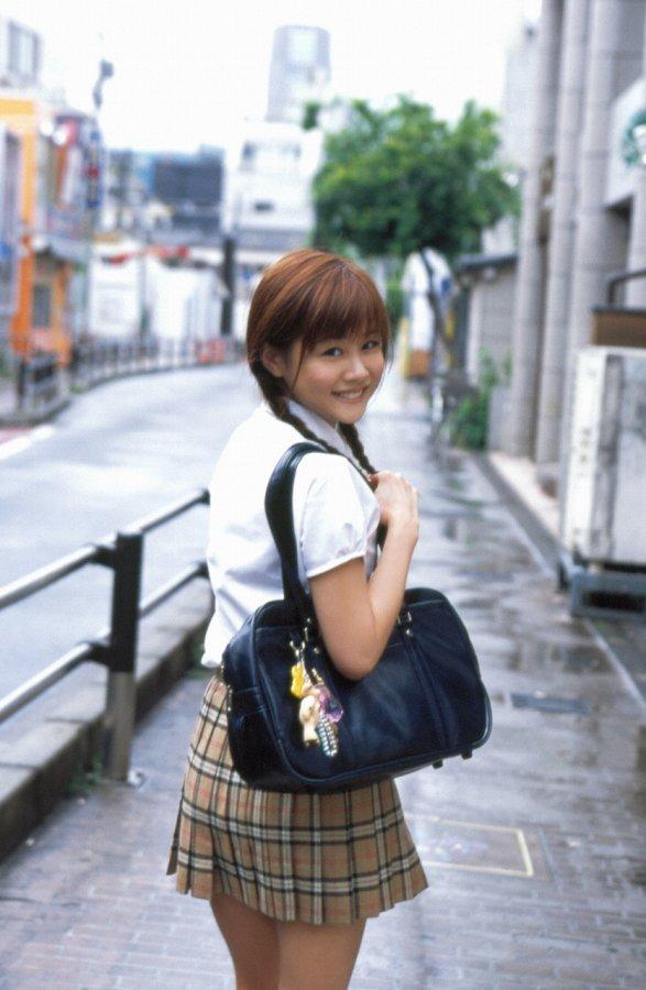 【新垣里沙グラビア画像】昭和生まれモーニング娘アイドルのビキニ水着! 30