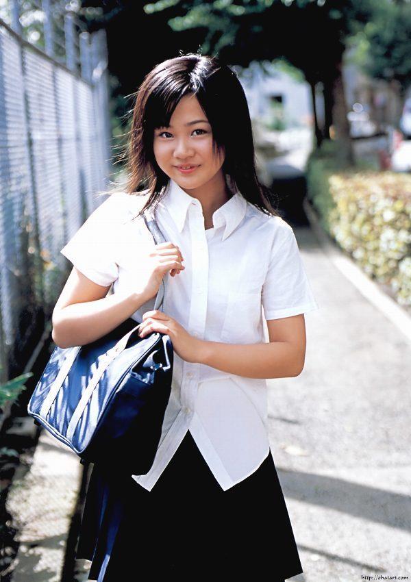 【新垣里沙グラビア画像】昭和生まれモーニング娘アイドルのビキニ水着! 32