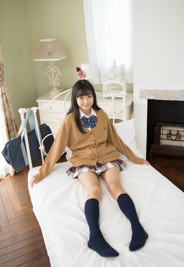 【西野花恋グラビア画像】引き締まったスレンダーボディがエロい美少女 08