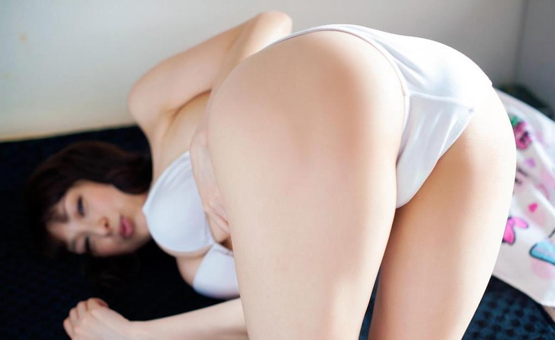 【中川朋美エロ画像】Jカップとかいうメートル超え爆乳女のマンスジ写真wwww
